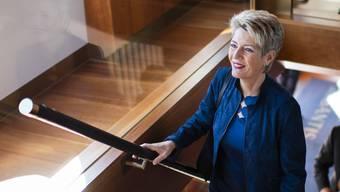 Unter der Federführung von Justizministerin Karin Keller-Sutter versucht der Bundesrat, die Gewerkschaften wieder zur konstruktiven Mitarbeit zu bewegen. (Archivbild)