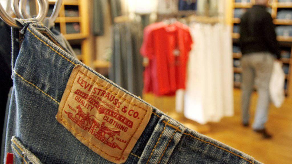 Der kürzliche Börsengang des Jeans-Herstellers Levi Strauss schmälerte den Gewinn im zweiten Quartal gehörig. (Symbolbild)