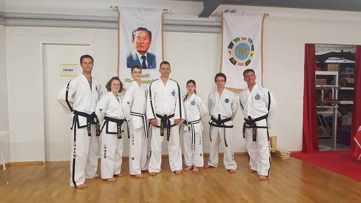 Erstmalig bei der Internationalen Taekwon-Do Federation der Schweiz erreichen zwei jugendliche Schüler den schwarzen Gurt!