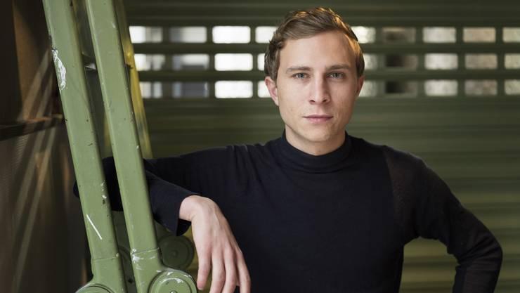 Der Berner Schauspieler Max Hubacher steht seit Kurzem für einen deutschen Kinofilm vor der Kamera. An der Seite von Til Schweiger und Heike Makatsch spielt er eine Hauptrolle.
