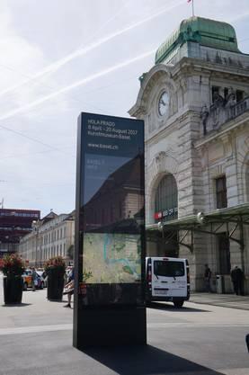 ...am Centralbahnplatz und...