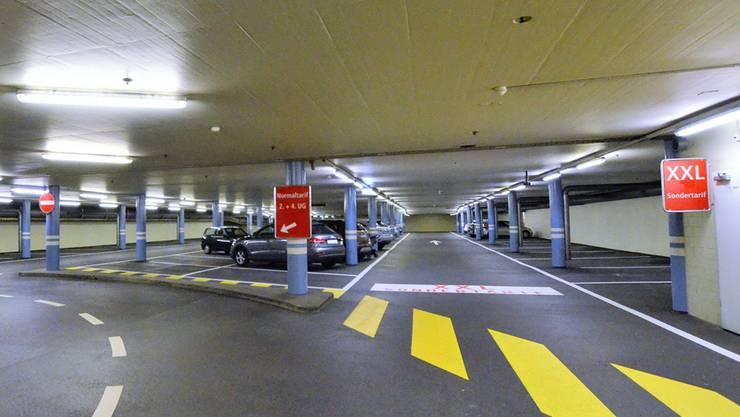 Blick aufs XXL-Parkgeschoss an einem Freitagnachmittag, kurz nach vier Uhr.