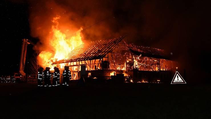 Beim Brand ist laut Polizei ein Sachschaden von wohl mehr als einer Million Franken entstanden.