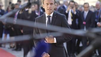 Der französisch Präsident Emmanuel Macron fordert am Donnerstag in Salzburg vor Gipfelbeginn eine harte Haltung bei den Brexit-Verhandlungen.