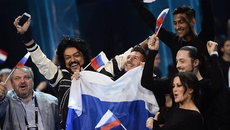 Der russische Teilnehmer Sergej Lasarew (Mitte) gehört zu jenen, die sich am Dienstagabend für den Final des Eurovision Song Contest qualifiziert haben.