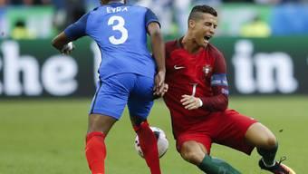 Patrice Evra gewann mit Cristiano Ronaldo 2008 mit Manchester United die Champions League, verlor gegen seinen früheren Teamkollegen aber 2016 den EM-Final
