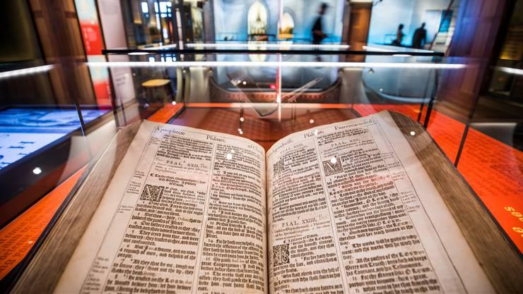 Die King James Bible von 1617 ist eines der Highlights des umstrittenen neuen Museums in Washington.