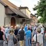 An der Führung ist viel zu erfahren über die Liegenschaften «Alte Schmitte», «Müller-Haus» sowie «Kupper-Haus» (von vorne). mhu