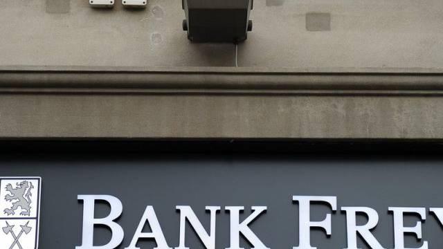 Schriftzug der Bank Frey an der Bahnhofstrasse in Zürich