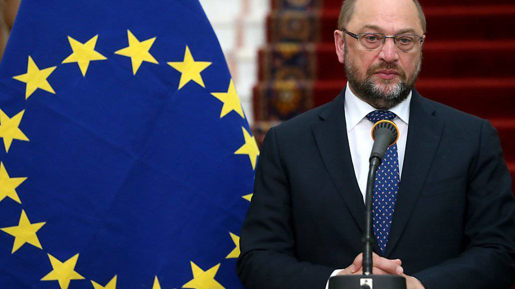 EU-Parlamentspräsident Martin Schulz (Archiv) fordert die europäischen Mitgliedsstaaten auf ihre Versprechen in der Flüchtlingskrise einzulösen.