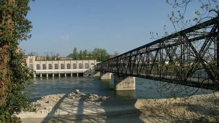 Kraftwerk und Steg Rheinfelden
