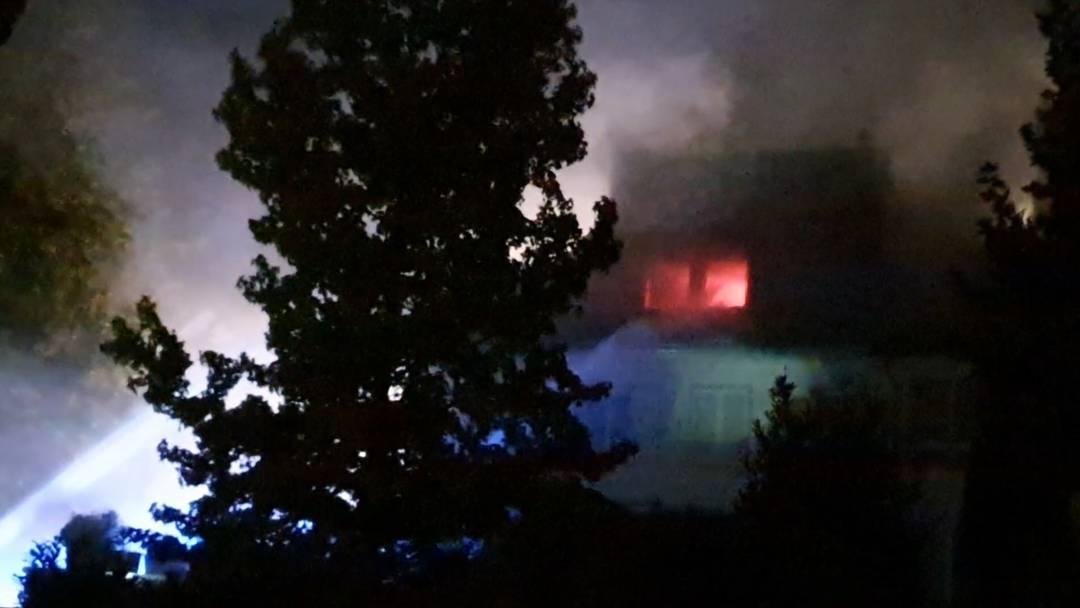 Nach Brand in Aarburg: Bilder und Videos zeigen Ausmass, verletzt wurde niemand