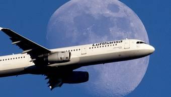 Aggressiver Preiskampf der Billigairlines und höhere Ölpreise: Lufthansa, Europas grösste Fluggesellschaft, erwartet 2019 weniger Gewinn. (Symbolbild)