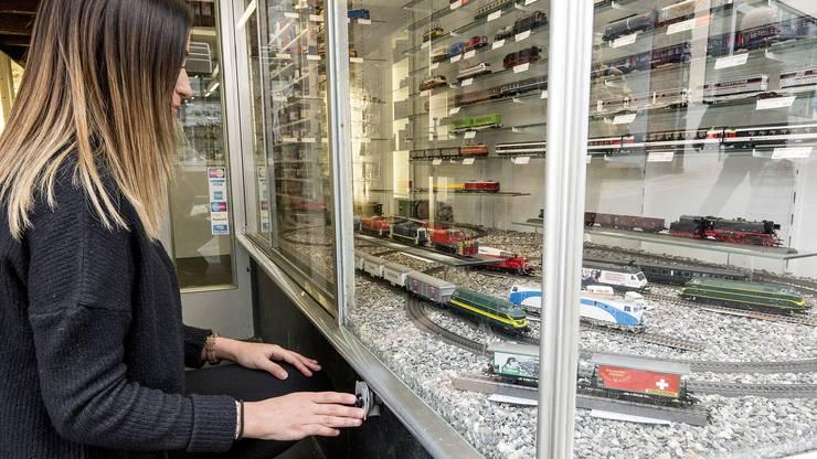 Der Modelleisenbahnladen am Spalenberg 45, der zum berühmtesten Basler Schaufenster-Knopf gehört, muss seine Tore schliessen.