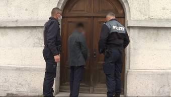 Thumb for 'Der Solothurner Bahnhofsmörder steht ab heute vor Gericht'