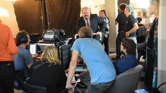Blick hinter die Kulissen: Szenen der «Bestatter»-Dreharbeiten im Kurhaus-Hotel Bad Schinznach.