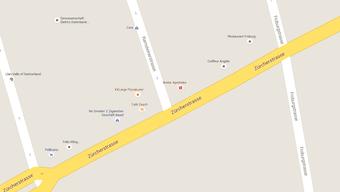 Die Breite-Apotheke an der Zürcherstrasse Ecke Ramsteinerstrasse wurde am Dienstag überfallen.