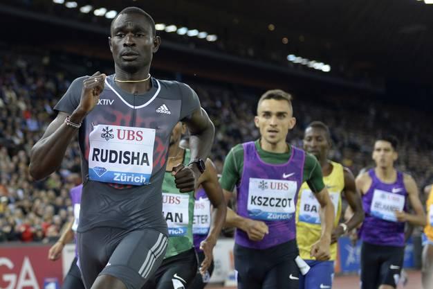 Doch die Anomalie setzte erst auf der Schlusswertung ein: Adam Kszczot siegt über 800 Meter.