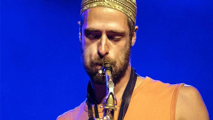 Lino Blöchlinger spielt auf dem Altsax seines Vaters.