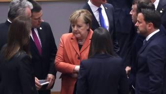 Streit über die Rolle der Atomenergie beim Klimaschutz: Die deutsche Kanzlerin Angela Merkel (Mitte) hofft trotz Meinungsverschiedenheiten am Donnerstag beim EU-Gipfel in Brüssel auf eine Einigung.