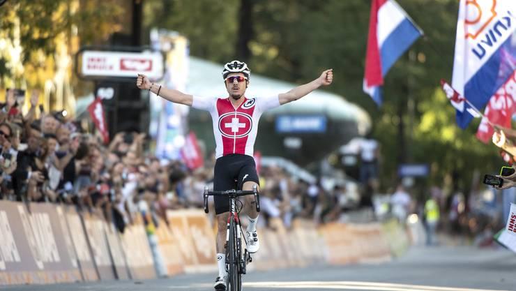 Vor genau einem Jahr krönte sich Marc Hirschi zum U23-Weltmeister. Am Sonntag misst er sich bei den Grossen.