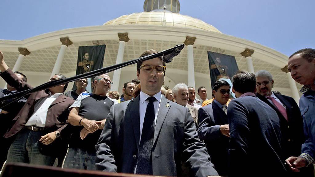 Fordert die Absetzung der sieben Richter des Obersten Gerichtshofs in Venezuela: Vizepräsident der Nationalversammlung, Freddy Guevara.