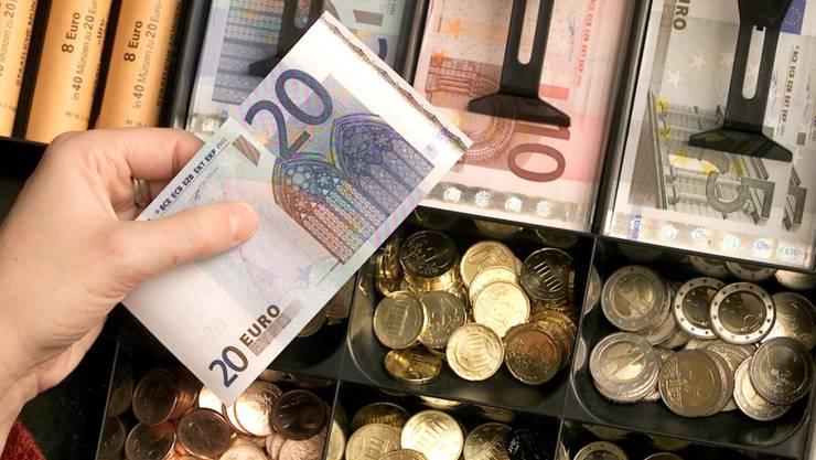 Am 1. Januar 1999 wurde in zwölf EU-Staaten der Euro als neue Währung eingeführt. (Archivbild)