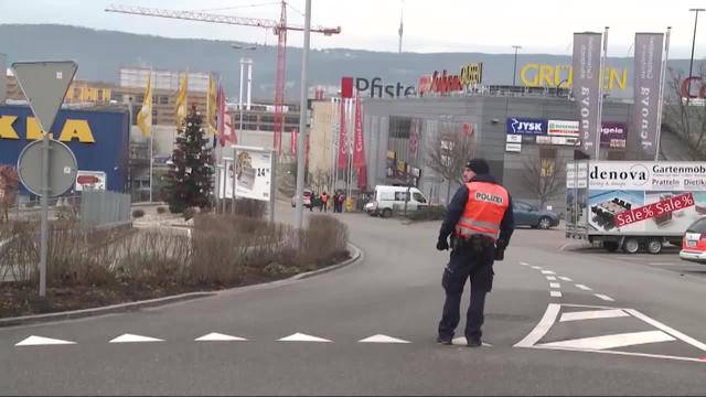 Pratteln: Bombendrohung in Einkaufszentrum