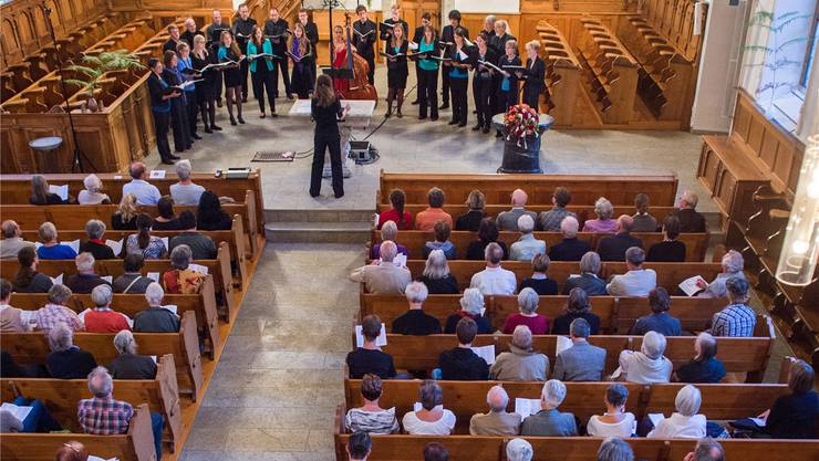 Das Wohler Vokalensemble Cantemus während des Konzerts in der Lenzburger Stadtkirche.
