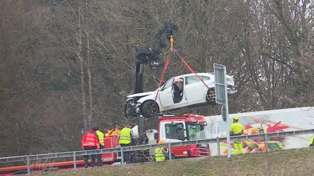 Er fuhr trotz Ausweisentzug: Neun Verletzte bei Kollision auf A1