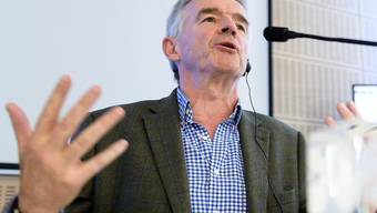 Für Ryanair-CEO Michael O'Leary bereichern sich Fluggesellschaften wie Lufthansa und Air France in der Coronakrise. (Archivbild)