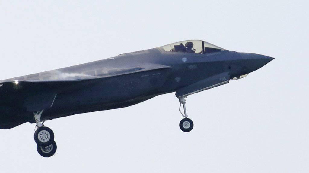 Japanisches Kampfflugzeug in Pazifik gestürzt