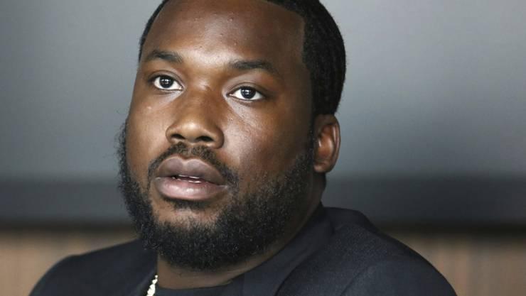 Durchatmen: Die Verurteilung gegen US-Rapper und Aktivist für eine Reform der US-Strafjustiz, Meek Mill, ist vorerst aufgehoben worden. (Archivbild)