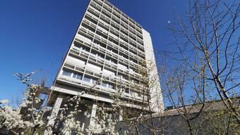Die Stadtrat schreibt: «Die gestiegenen Anforderungen an das Bauen haben in den vergangenen Jahrzehnten dazu geführt, dass die Bewilligungsverfahren immer aufwändiger geworden sind und die Prüfungskomplexität generell zugenommen hat.»