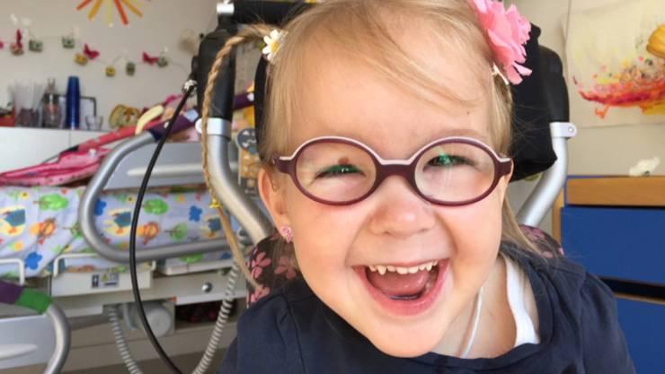 Lara kam vor knapp  fünf Jahren mit verschiedenen Behinderungen zur Welt und musste in ihrem kurzen Leben  über 40 Mal operiert werden.