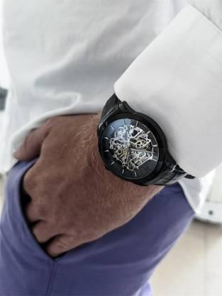 Typische Julien-de-Bourg-Uhr.
