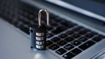 Für jeden Online-Dienst muss man sich aufs Neue registrieren und ein Passwort setzen. Wie mühsam!