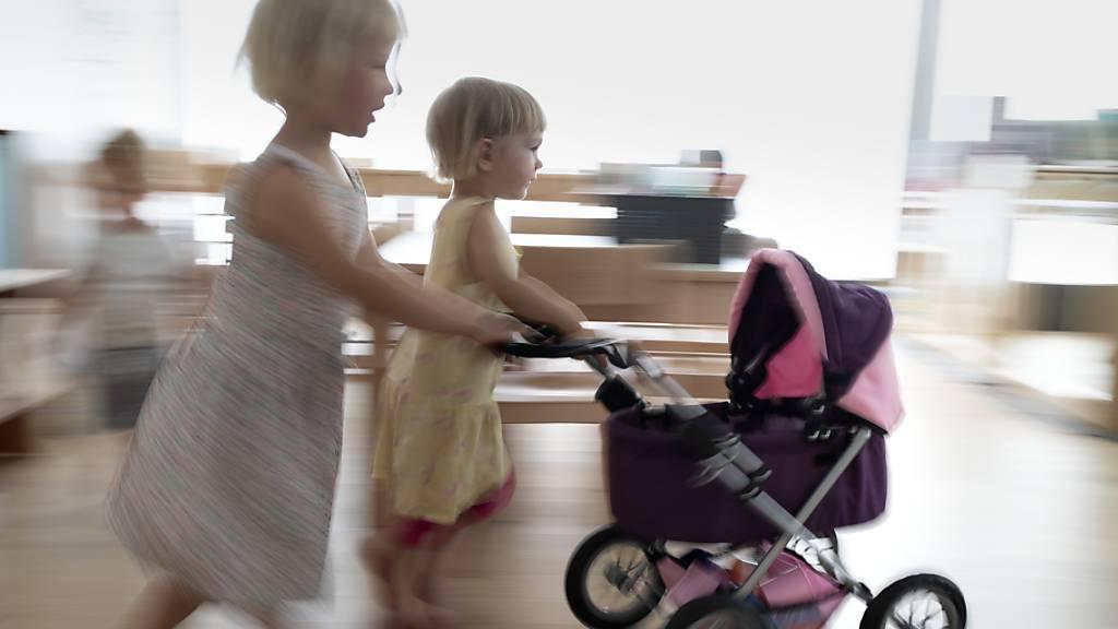 Der Wohnort entscheidet, ob qualitativ gute und bezahlbare Kinderbetreuung vorhanden ist. (Symbolbild)