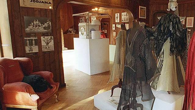 Innenansicht in die Ausstellungsräume des der Monte-Verita-Kolonie gewidmeten Museums Casa Anatta