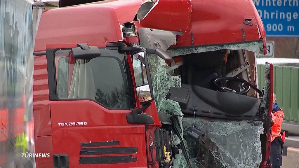 Ein Toter nach Lastwagen-Kollision in Wülflingen