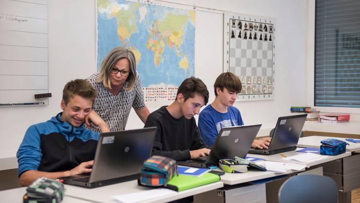 Kreativität ohne Notendruck ist das Ziel des Projekts «Schulhausroman». Seit 2005 schreiben Schüler Literatur.