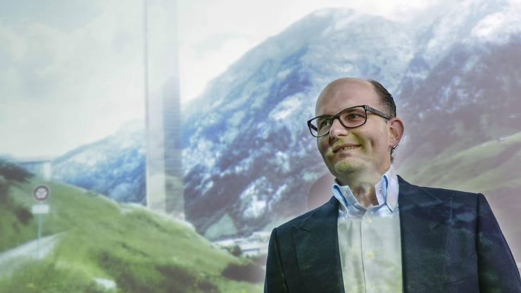 Initiant Remo Stoffel präsentiert sein Projekt