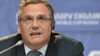 In der Korruptionsaffäre des Weltfussballverbandes ist nun auch der frühere FIFA-Generalsekretär Jérôme Valcke ins Visier der Bundesanwaltschaft geraten (Archivbild).