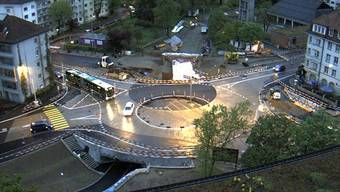 Eine Webcam vom Felix Platter-Spital zeigt auf www.luwa.bs.ch rund um die Uhr die Fortschritte beim Bau des Kreisels Luzerner-/Wasgenring. Screenshot bs.ch