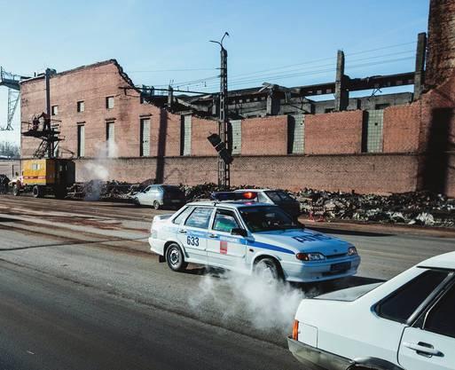 In Chelyabinsk fiel eine Zinn-Frabrik wegen des Meteorits halb zusammen. Das Dach und eine Mauer brachen ein.