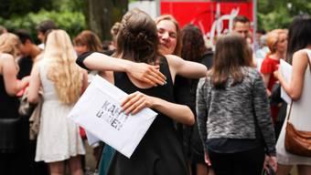 Die Kanti verabschiedet im Kurtheater über 300 Gymi- und BMS-Schüler