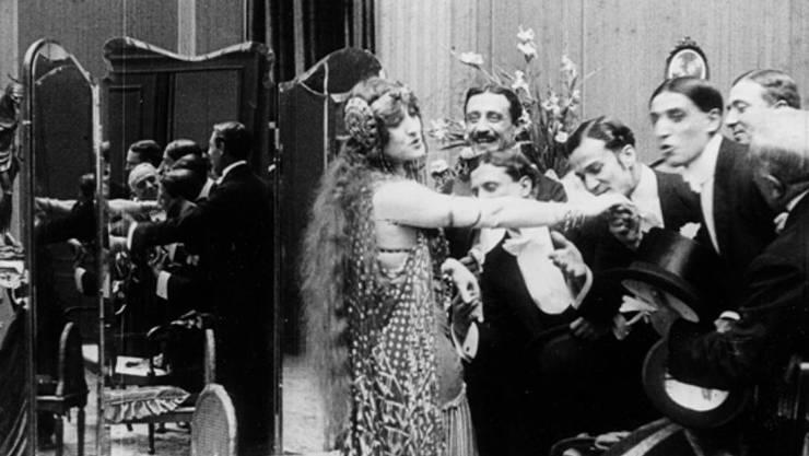 Das Stadtkino zeigt am Donnerstag das digital restaurierte Kameranegativ des melodramatischen Divafilms «Ma L'amor mio nun muore!» mit adaptierter Opernmusik.