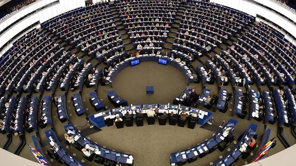 Mit grosser Mehrheit hat das EU-Parlament für ein Einfrieren der EU-Beitrittsgespräche mit der Türkei gestimmt. Der Antrag war eine Reaktion auf das Vorgehen der türkischen Führung gegen Medien und Oppositionelle nach dem Putschversuch im Juli. (Archivbild)