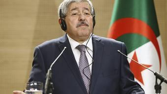 Gesellschaftlicher Fortschritt: Algeriens Ministerpräsident Ahmed Ouyahia verkündet am Donnerstag ein Burkaverbot für Frauen an Arbeitsplätzen in seinem Land. (Archivbild)