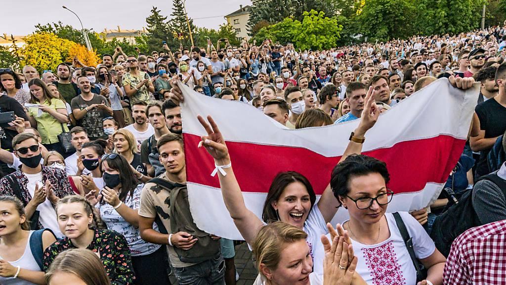 Menschenrechtler warnen vor Gewalt bei weiteren Protesten in Belarus